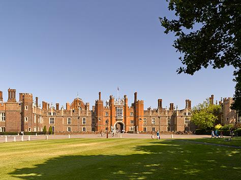 Hampton Court Palace on #Daysoutwithkids