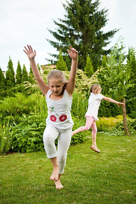 bigstock-Children-doing-cartwheels-in-b-42652201