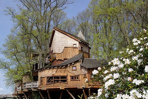 bigstock-alnwick-garden-tree-house-1562491