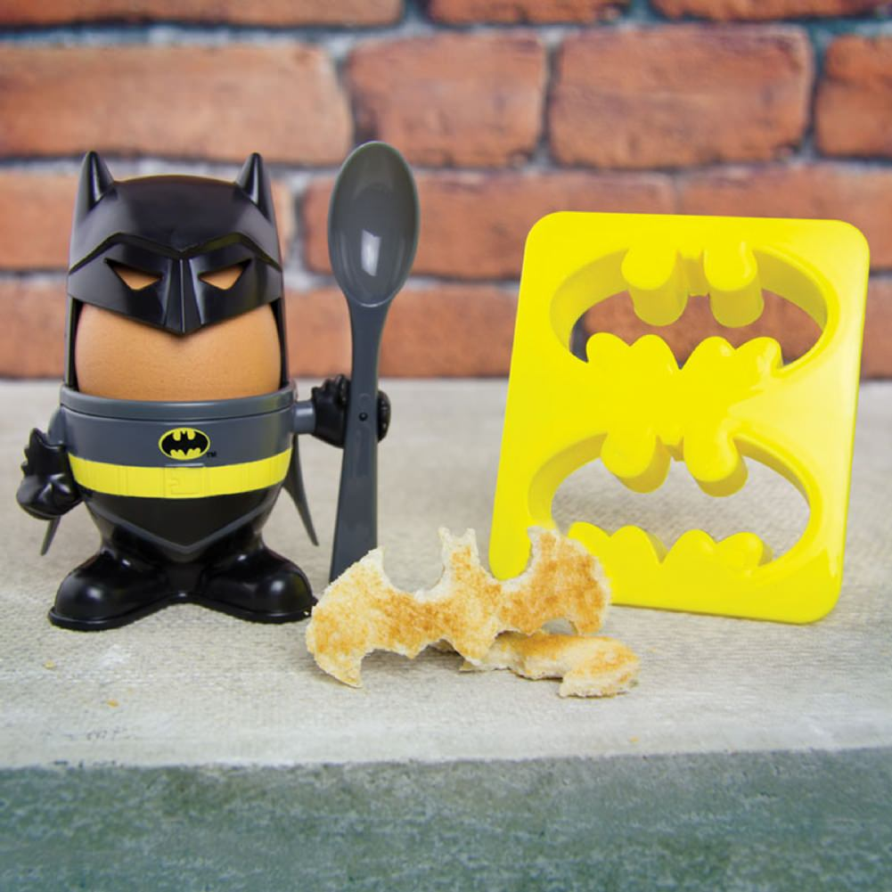 boy-9-batman_egg_cup_lifestyle_curb_1800x1800