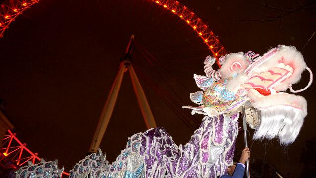chinese-new-year-at-the-coca-cola-london-eye_dragon-dancers-at-the-coca-cola-london-eye-photo-credit-coca-cola-london-eye_6ae8f4cbb47de50351ca36c554a0e2f1